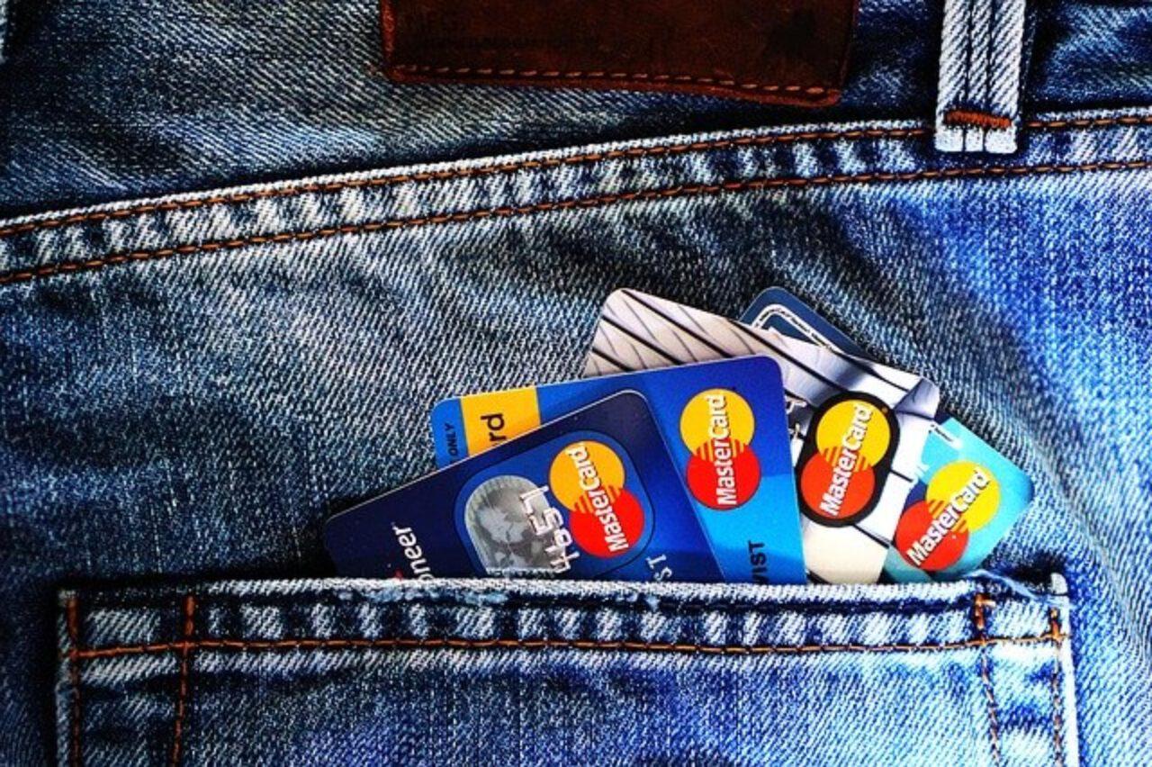 Kredyty gotówkowe – pieniądze od banku na własne potrzeby