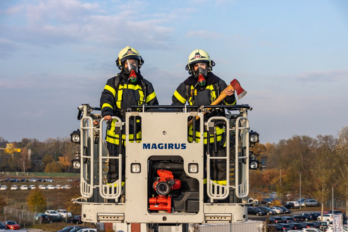 Skuteczne megafony do profesjonalnych akcji strażackich