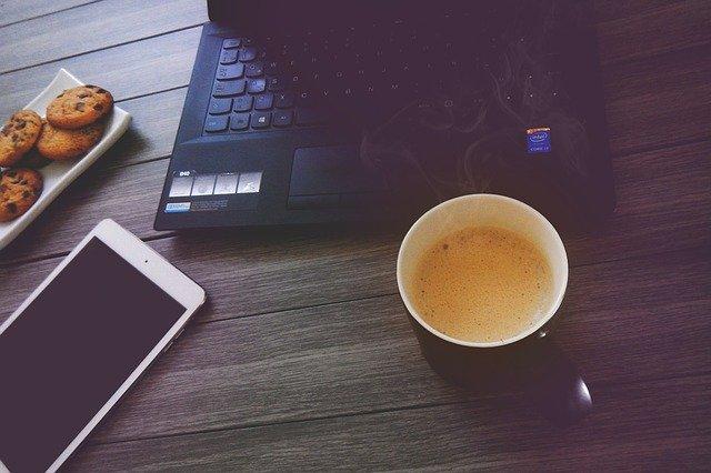 Dlaczego warto kupić firmowy ekspres do kawy?